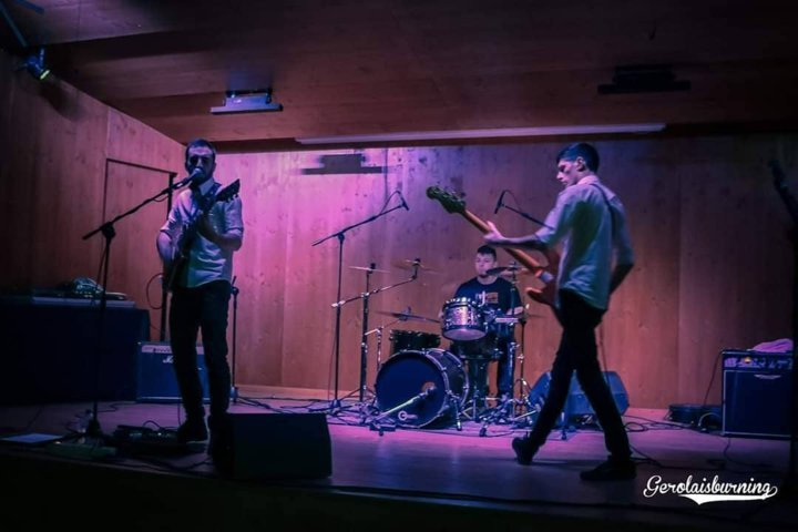 Light Bricks CM09 Morbegno AMP Artists Music Promotion Talamona Sondrio Band Punk
